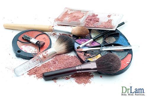 3-cosmetics-homemade-lip-balm-32892